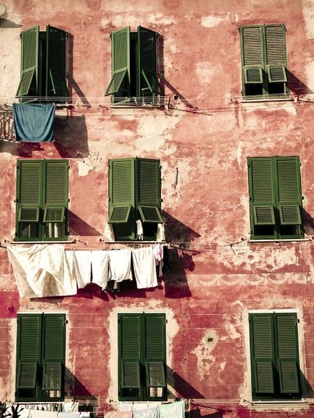 Doors, Clotheslines, Green Shutters, Colors Stories, Italy, White Laundry, Photography Pictures, Windows Shutters, Bohemian