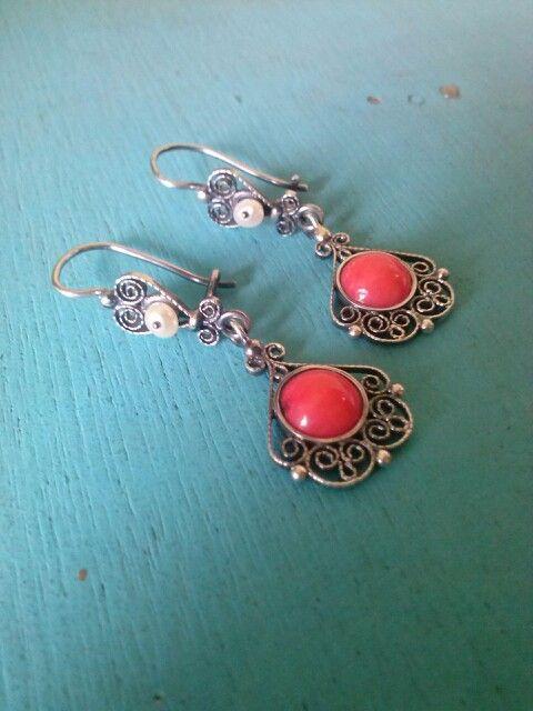 coral rojo y perla