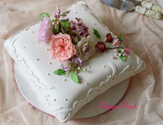 Fijne Pret: Pillow Wedding cake