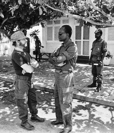 Santos e Castro e Holden Roberto (FNLA) no Ambriz, em 1975.