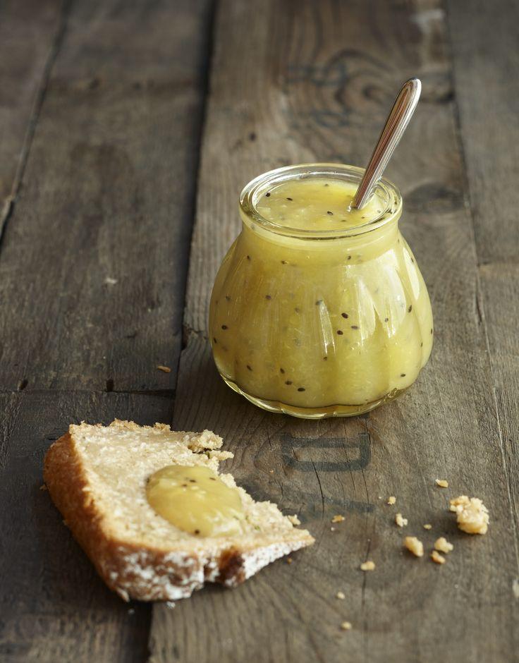 Raparperia jalossa muodossa - herkullinen raparperi-hedelmäsose maistuu kaiken ikäisille. Katso resepti: http://www.dansukker.fi/fi/resepteja/maaritin-raparperi-hedelmasose.aspx #hillo #sose #resepti