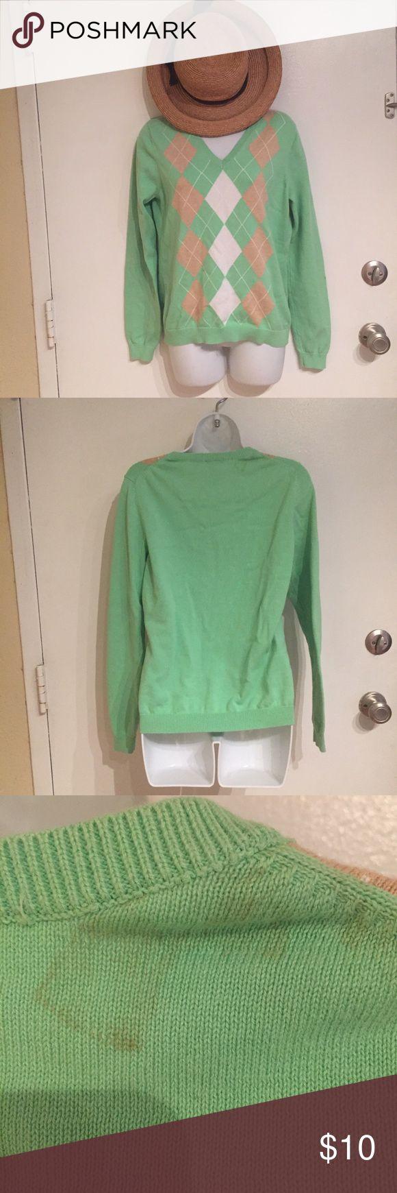 Classic Izod Argyle V Neck Sweater Classic Izod v neck argyle sweater. Size medium. Does have a stain on the back near the collar.  #classic #izod #vneck #argyle #sweater #medium #punkydoodle  No modeling Smoke and pet free home I do discount bundles Izod Sweaters V-Necks