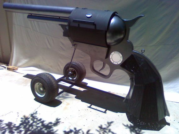 Get any better than a custom BBQ grill that looks like a revolver?