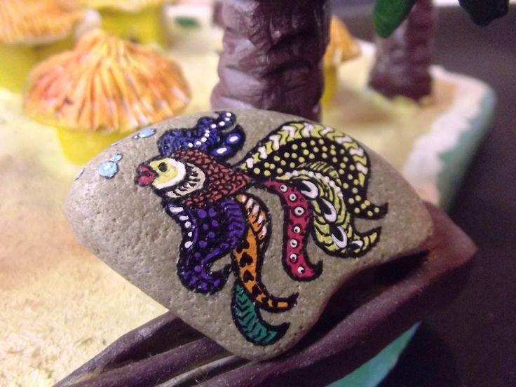Broche fantaisie Poisson multicolore - galet peint