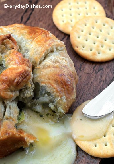 What's better than a baked brie appetizer? Pesto baked brie! - Everyday Dishes & DIY