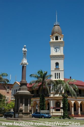 Bundaberg's Main Post Office and Memorial for those who fought for our Country in WW1 and WW2