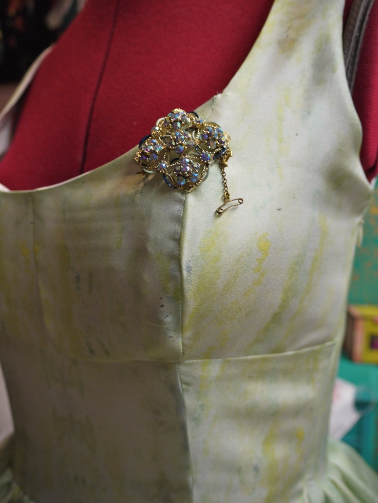 Vintage broach to add detail to vintage style dress