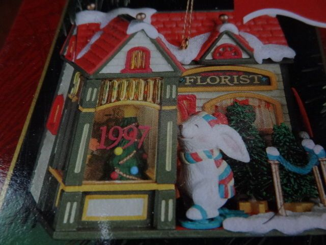 "1997 CARLTON CARDS LIGHTED CHRISTMAS ORNAMENT 4TH ""HOLIDAY TOWN FLORIST"" LIGHTED"