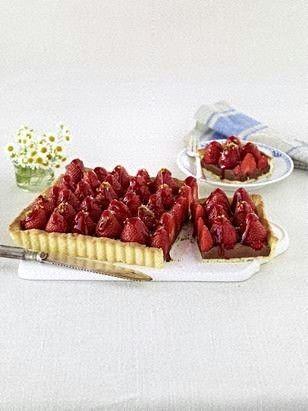 Das Rezept für Schoko-Tarte mit Erdbeeren und weitere kostenlose Rezepte auf LECKER.de