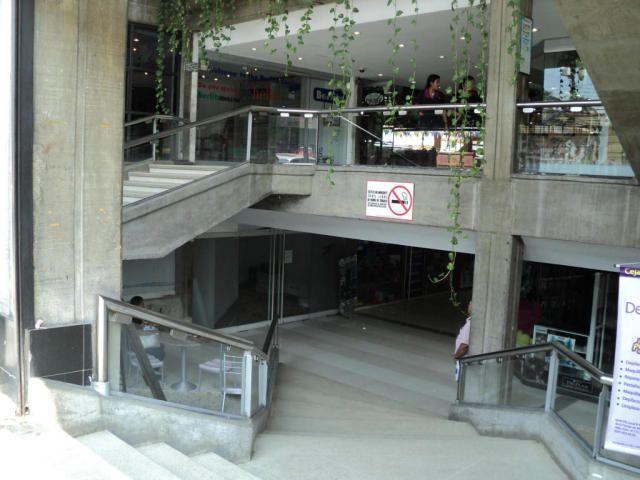 Local en Venta en Multicentro el Viñedo MLS #14-13483 - Oficinas / Locales comerciales - Valencia