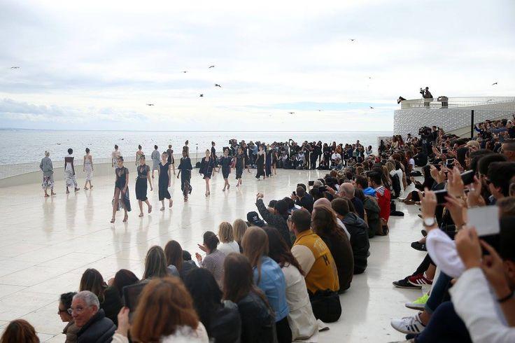 #Share #this #Style: #Portugal #Fashion – #À #moda do #Porto | #fashion #trend #primaveraverão #2017 #passerelle #oporto #TerminalCruzeirosdoPortodeLeixões #LuísBuchinho #metálicos #minissaias #coleção #KattyXiomara  #lantejoulas #39.º #PortugalFashion