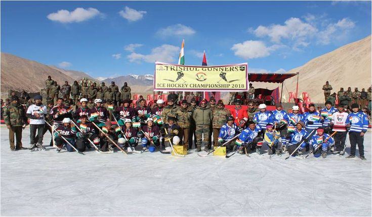 Ice Hockey Championship was conducted at village Yerath #EasternLadakh under the aegis of #TrishulGunners #IndianArmy. The competition saw overwhelming participation from the local population & proved to be a great opportunity for them to showcase their talent.pic.twitter.com/FnwGEUmGC3 #IndianArmy #Army