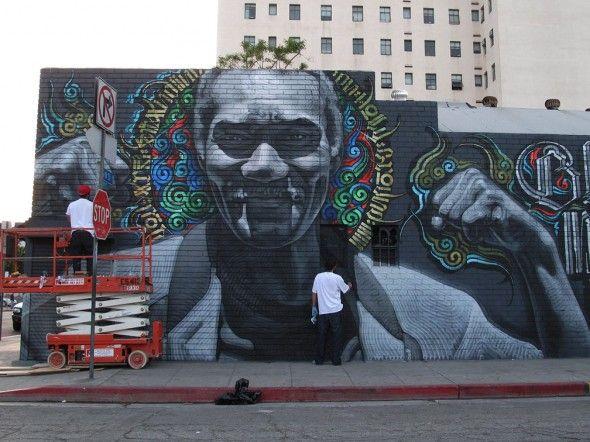 El Mac is de artiesten naam van Miles 'Mac' MacGregor, deze in Los Angeles geboren kunstenaar is zeer bekwaam met de spuitbus. Zijn primaire focus is de levensechte weergave van menselijke gezichten en figuren. Hij heeft zich laten inspireren door de omringende Mexicaanse & Chicano cultuur van Phoenix en de Amerikaanse Southwest, religieuze kunst, pin-up kunst, graffiti en een breed scala van klassieke kunstenaars als Caravaggio, Mucha, en Vermeer.