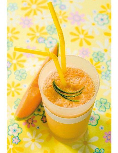 Smoothie diététique et minéralisant La recette : Mixez quelques minutes un concombre, ½ melon et ¼ de pastèque coupés en gros cubes avec le jus de 2 citrons verts pressés et les glaçons jusqu'à obtenir un cocktail homogène et sans morceaux.