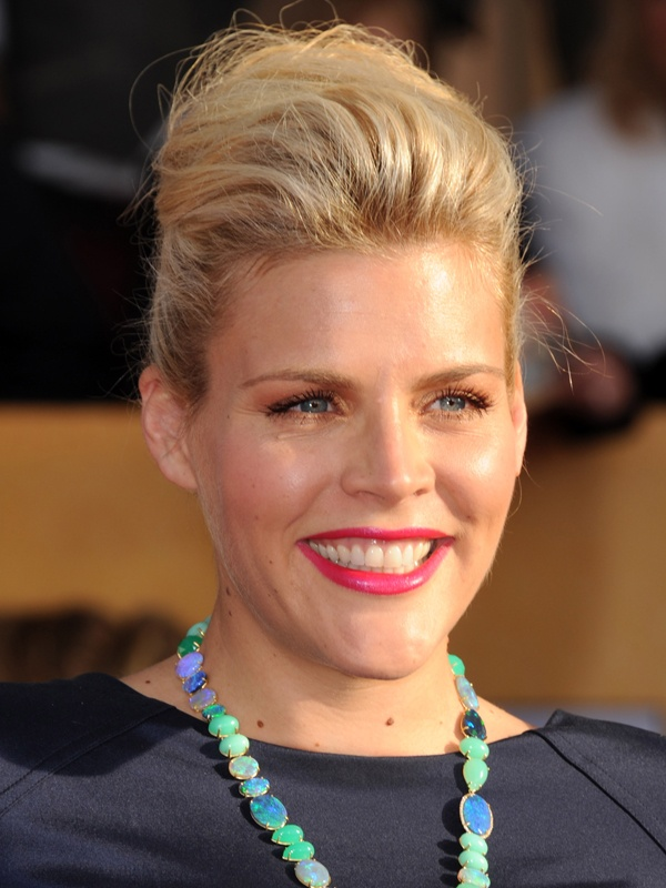 SAG Awards 2013: Busy Philipps http://beautyeditor.ca/gallery/sag-awards-2013/busy-philipps/
