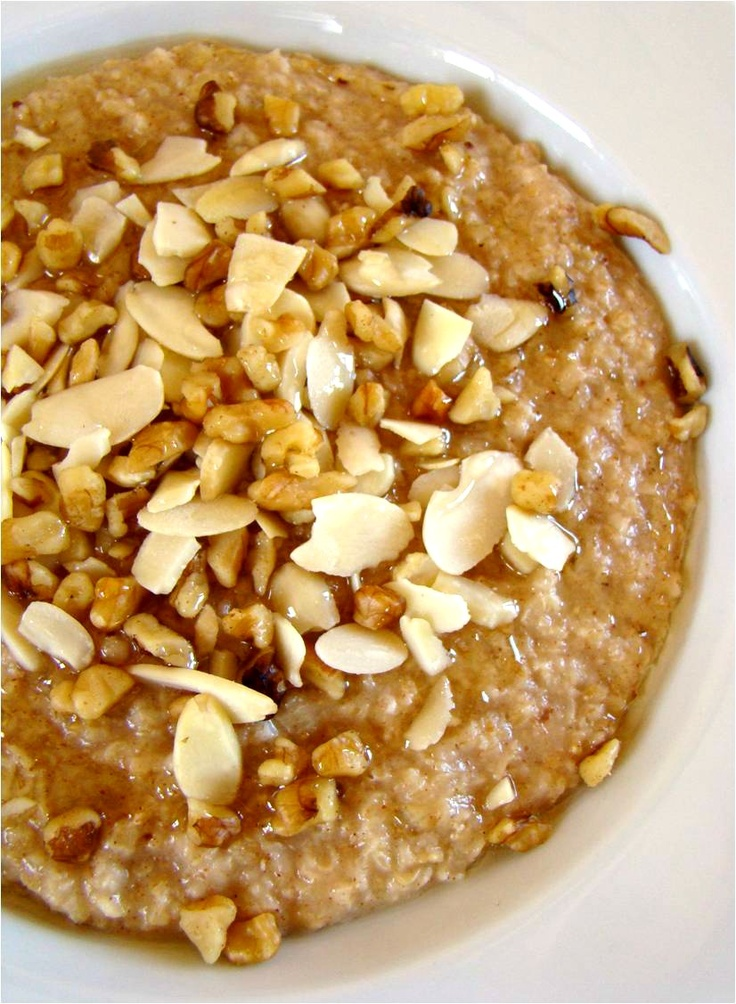 Honey Nut Oatmeal    1 1/2 cups water  3/4 cup quick cooking oats  1/2 tsp cinnamon  1/4 cup chopped nuts (I like a mix of almonds and walnuts)  1 tbsp honey    I brought the water to a boil in a small saucepan. Then I added the oats and cinnamon and lowered the heat to low, cooking and stirring for just two or three minutes. To finish, I transferred the oatmeal to a bowl and topped it with the nuts and drizzled on the honey. That's it!