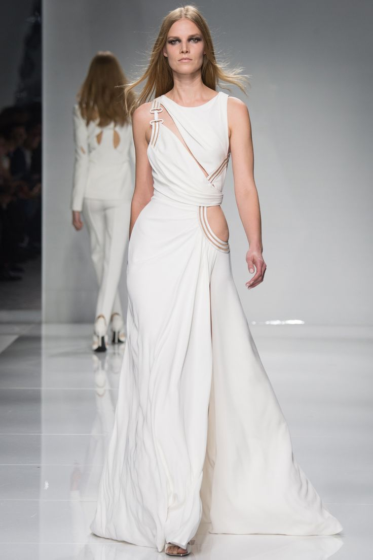 Atelier Versace Spring 2016 Couture Fashion Show