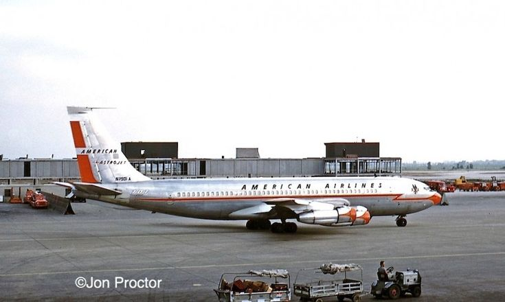 American Airlines Boeing 707-123B Astrojet at Chicago's O ...