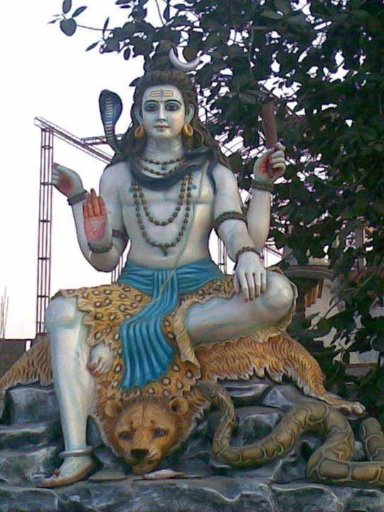 Sri Shivaramashtaka stotram  (The prayer octet of Shiva Rama) By Swamy Ramananda  (Here is a general prayer addressed to Lord Vishnu as well as Lord Shiva. )  Hare shiva rama sakhe prabho Trividha thapa nivarana hey Vibho Aaja janeswara yadava pahi maam Shiva hare vijayam kuru may varam. 1  Hey Shiva Hey Hare Hey Rama Hey friend Hey Lord Hey Lord who cures the three types of sufferings Hey Lord without birth Hey Lord of the people  Hey Yadava protect me Hey Shiva Hey Hare  grant me the…