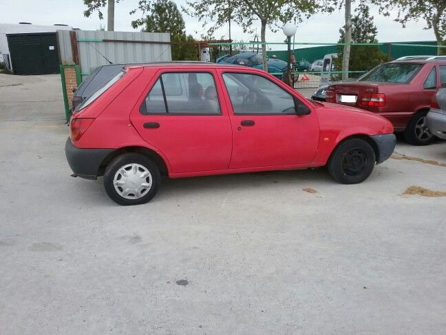 Despiece Ford Fiesta año 97 1.3 gasolina. Consultar disponibilidad de recambios.  Envíos a toda España.  Tlf 925 59 91 75. www.desguaceselprado.es