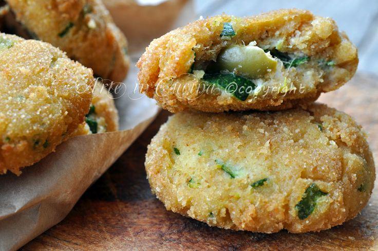Frittelle di zucchine e ricotta con olive