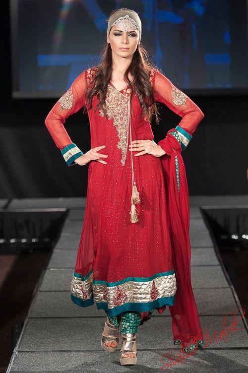 {Pakistan Fashion Extravaganza London 2011} Part 1