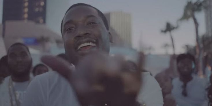 Meek Mill - F#ck Up Some Commas (Freestyle) [Music]- http://getmybuzzup.com/wp-content/uploads/2015/05/meek-mill2-650x326.jpg- http://getmybuzzup.com/meek-mill-fuck-up-some-comma/- MMG recording artist Meek Mill returns with this new freestyle over Future's hit 'F#ck Up Some Commas' after dropping his latest album 'Dreams Worth More Than Money'.Enjoy this audio stream below after the jump. Follow me:Getmybuzzup on Twitter|Getmybuzzup on F