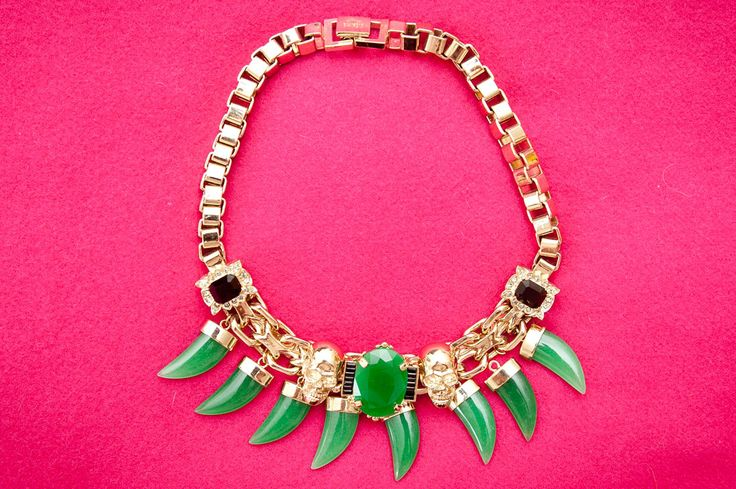 emerald green.: Green Horns, Joanna Hillman, Statement Necklaces, Style, Mawi, Jewels, Hillman Closets, Accessories, Horns Necklaces