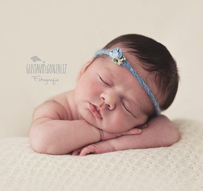 Tijd geleden mocht ik deze prachtige meid op de foto zetten. Wat een schatje  Heb je vragen over een Newborn Fotoshoot? Wees dan op tijd met boeken.  Wil je meer van mijn werk zien? Neem dan een kijkje op mijn site http://ift.tt/2izDGep  #newborn #newbornfotografie #newbornfotoshoot #instacute #newbornphotography #pasgeboren #photography  #beautiful #pasgeborenfotografie #fotografie #nederland #fotograaf #babygirl #instababy #newbornphotographer #fotografianewborn #baby #newbornfotoshoot…