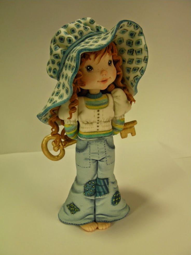 "Studio ""FONDANT DESIGN ANA"" - Figurice za torte (fondant figures): SARAH KEY (Girl with the key)"