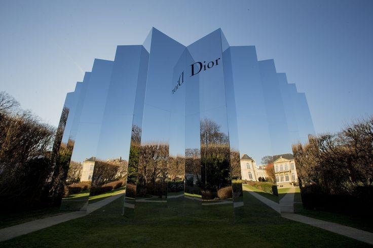 Christian Dior | 表演, ソリオ, 建築