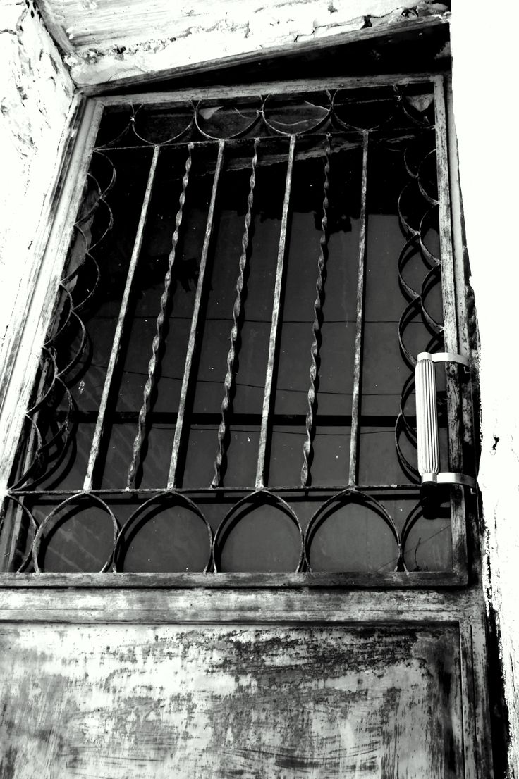 #black #and #white #door #greece #prinos
