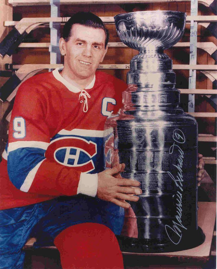 Figure emblématique du club de hockey Canadien, Maurice Richard a eu un impact qui a débordé les frontières du sport. Pendant 18 saisons mouvementées, Richard à fièrement porté les couleurs de la seule équipe qui n'ait jamais compté pour lui, ne reculant devant personne et rééditant au passage le livre des records de la NHL. Ses résultats de carrière: 978 matchs joués et 956 points accumulés.