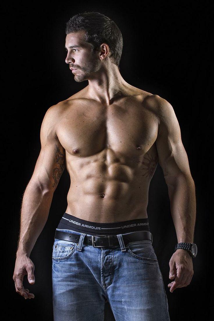 Голые по торс мужчины