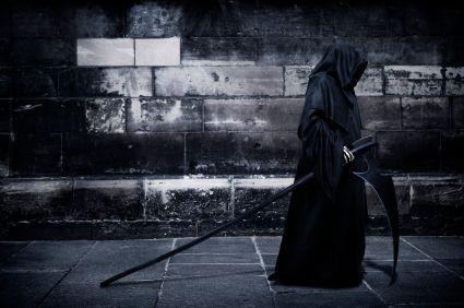 #Vil du have dit barn tilbage, eller skal jeg gå med det derind, hvor du ikke ved?# Da vred moderen sine hænder, faldt på sine knæ og bad til Vorherre: Hør mig ikke, hvor jeg beder imod din vilje , som det bedste! Hør mig ikke! Hør mig ikke! og hun bøjede sit hoved ned i sit skød og døden gik med hendes barn ind i det ubekendte land.#