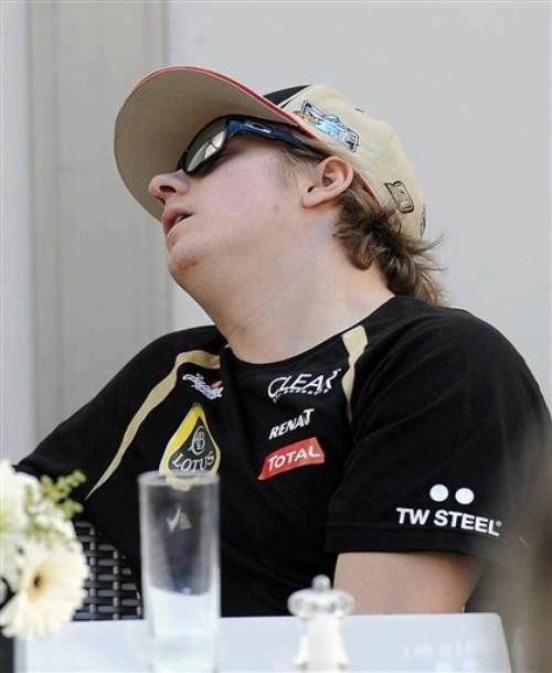 @Lotus_F1Team Ahem... wakey wakey folks... no, seriously... WAKE UP!! ;)