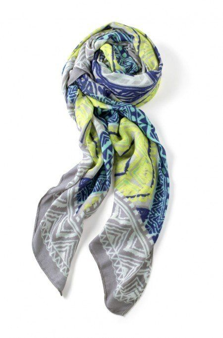 Our Union Square fashion scarf comes in a variety of colors, like a pink scarf, to match your whole wardrobe. Shop our pink scarves & more from Stella & Dot.