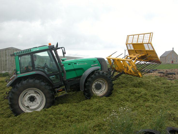 valtra tractors | Skildring Valtra tractor.jpg
