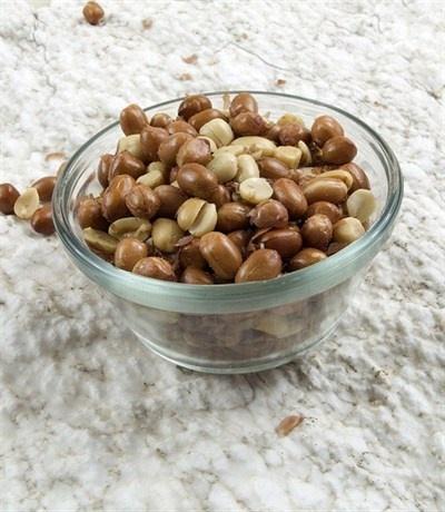 Жареный арахис в специях и чесноке
