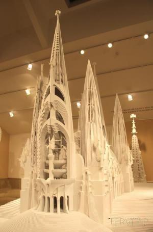 """Makovecz kiállítás a Vigadóban """"…összekötni az eget és a földet…"""" http://www.tervlap.hu/cikk/show/id/2760"""