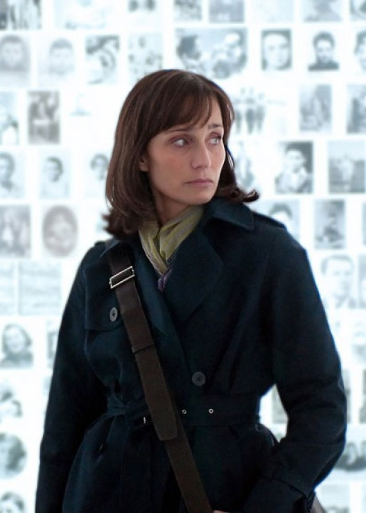 """Penny says: """"... In the similarly themed SARAH'S KEY, Kristin Scott Thomas plays an American journalist covering the 60th anniversary of the Vél d'Hiv Round Up."""""""