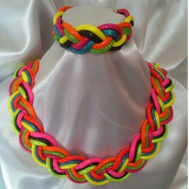 Collar trenzado piel de serpiente con pulsera