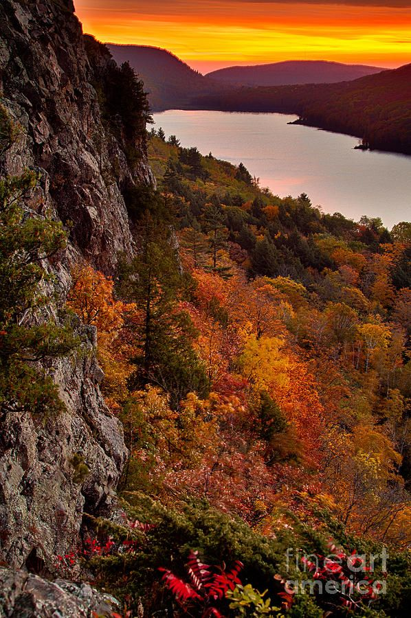 ✯ Lake Of The Clouds, MI- Been hiking up here and snowmobiling, both of which are gorgeous