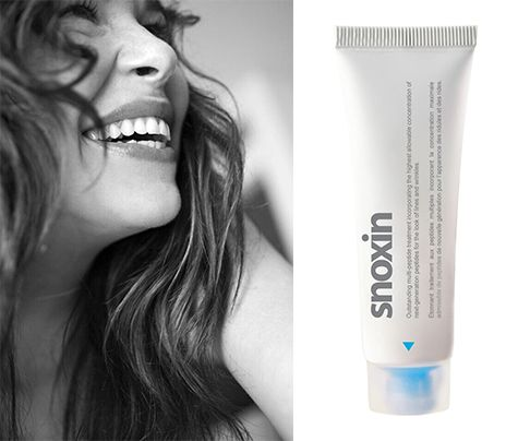 It's not a crime to smile. And neither is wanting to fight facial lines. So get happy and get our heavyweight contender in facial line fighting: #snoxin.