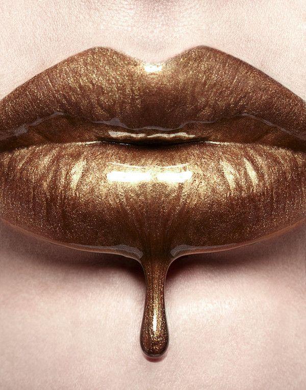 gilded lips