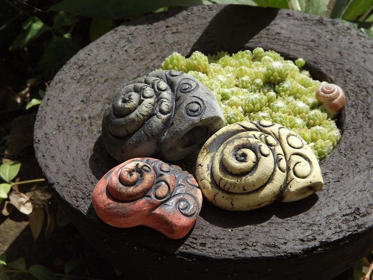 http://de.dawanda.com/product/85408235-3er-set-schneckenhaus-keramik-unikat-handarbeit