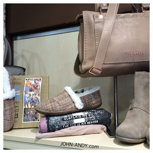 #johnandy #toms #pink #boucle #womens #classics #tedbaker #hickory #stab #stitch #leather #bag #call_for_orders  #00302109703888  www.john-andy.com
