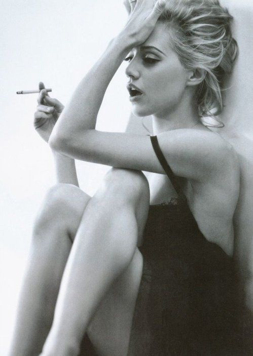 Brittany Murphy, favorite actress. The perfect actress to play Marilyn.