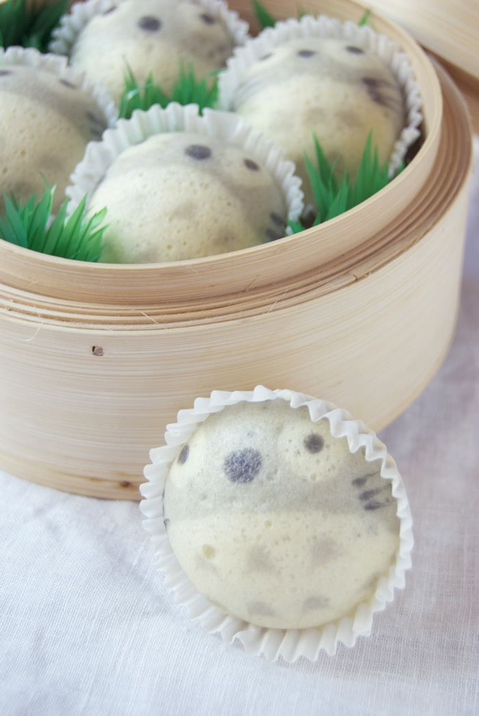 Steamed totoro cakes