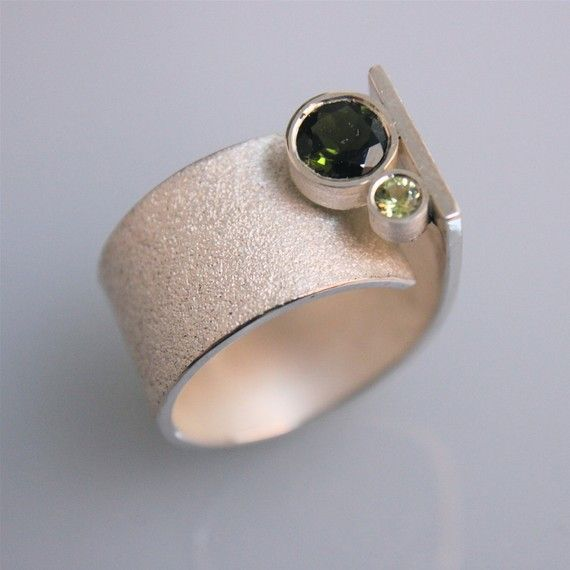 """Contemporary handmade silver ring"""" Q"""" with turmalin and periodot gem stones"""